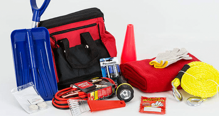 10 Must-Haves For Your roadside emergency kit