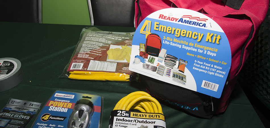 Why-Radio-Is-Important-In-Emergency-Kit
